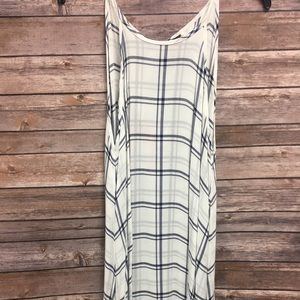BRAND NEW Chelsea & Violet Checkered Dress Small